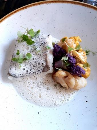 Merlu, choux fleur © Gourmets&co
