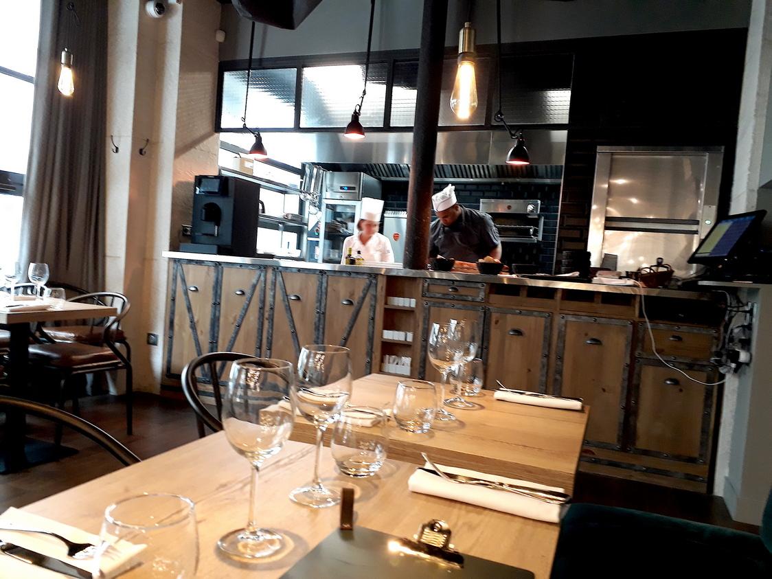 Salle et cuisine © Gourmets&co