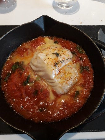 Cabillaud rôti à la tomate © Gourmets&co .