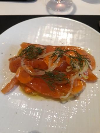 Saumon mariné façon hareng © Gourmets&co