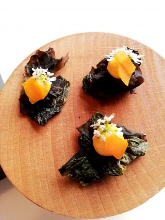 Algues cristallisées, patate douce, poutargue © Gourmets&co .