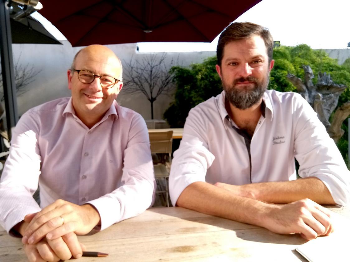 Mr Hennequin (à g.) et le chef Jérôme Paulus .© Gourmets&co jpg