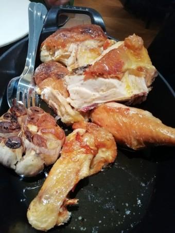 Poulet jaune des landes rôti en crapaudine © Gourmets&co
