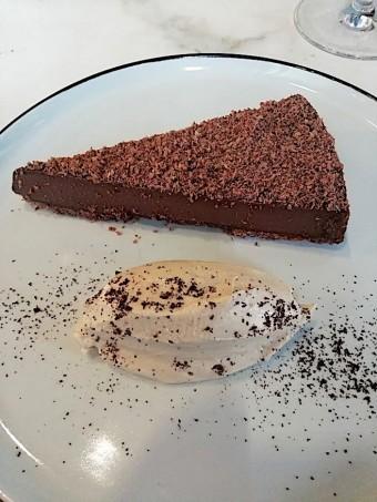 Tarte chocolat, mascarpone café © Gourmets&co