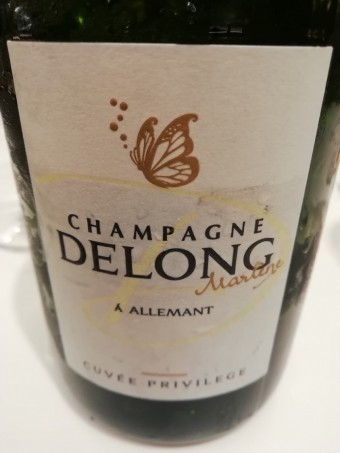 Champagne Delong-Marlene © ourmets&co