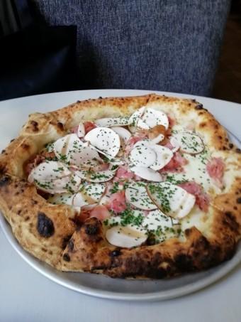 Pizza Regina © Gourmets&co