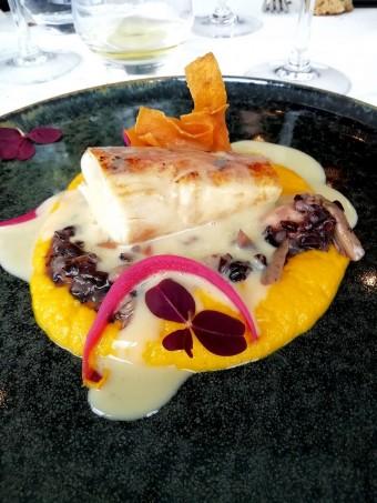 Poularde, sauce poulette, carottes © Gourmets&co