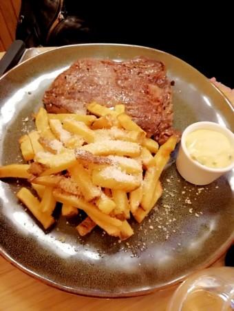 Entrecôte, frites, © Gourmets&co