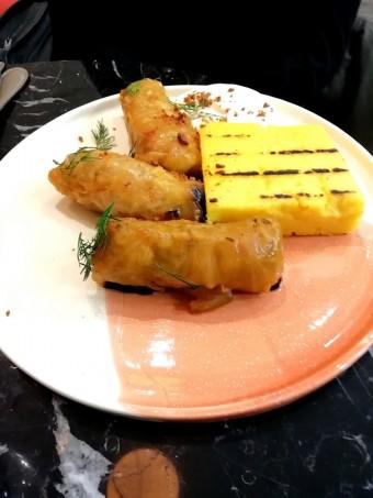 Feuilles de choux farcies à la viande © Gourmets&co .