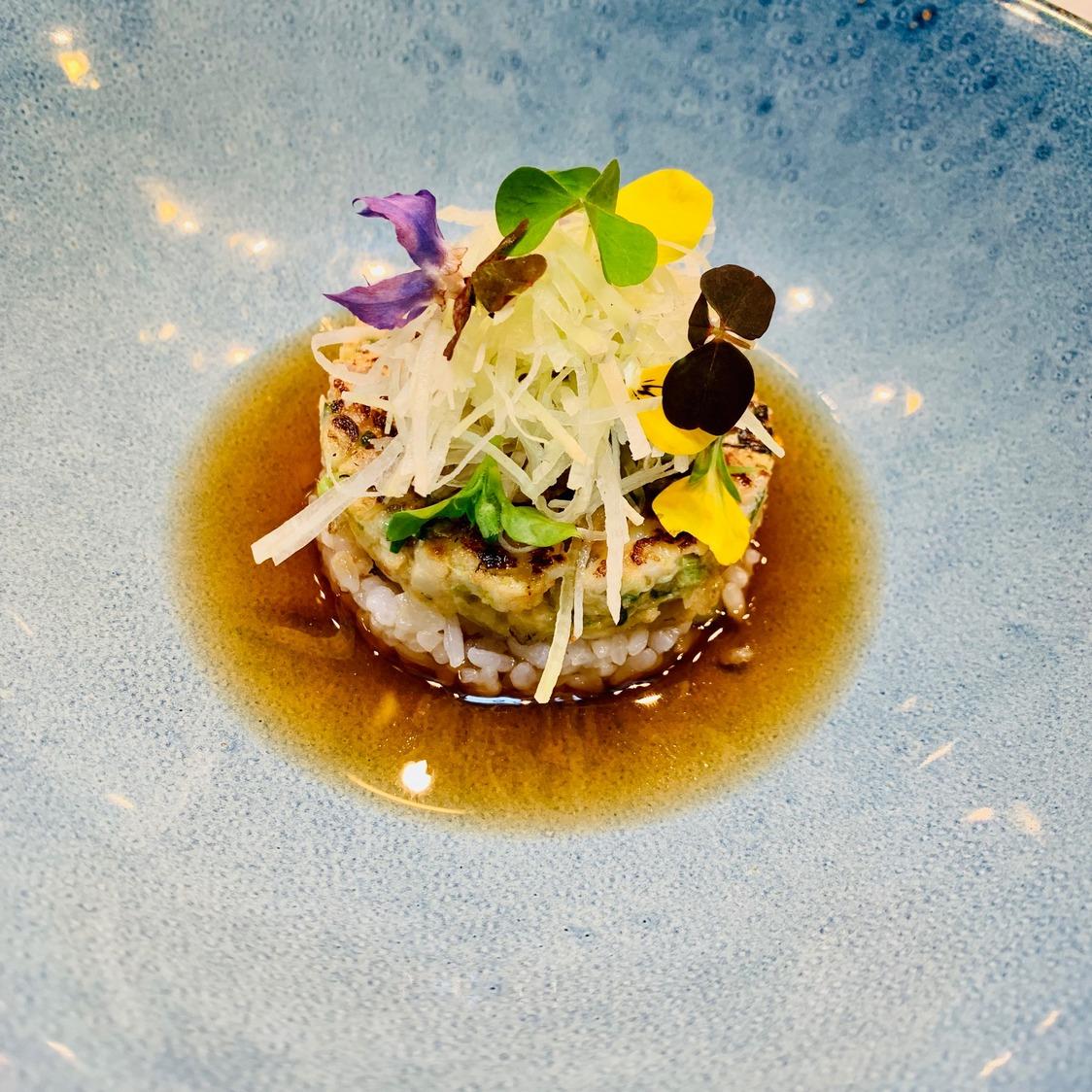 Gambas bios, riz Koshi Hikari, bouillon citronnelle © Olivia Goldman (1)