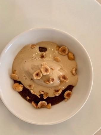 Fondant chocolat, cœur praliné noisettes © Olivia Goldman