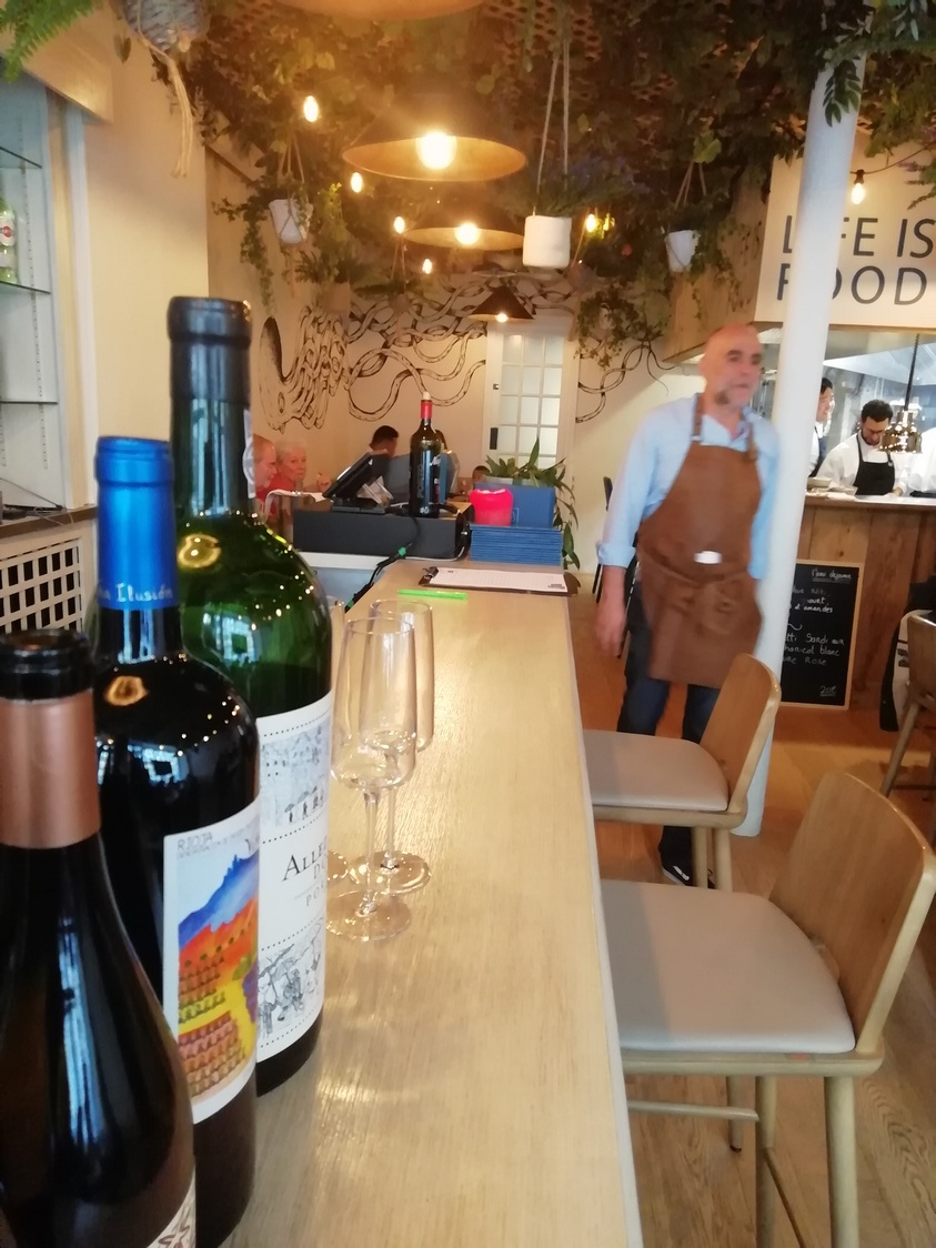 Bar et salle © Gourmets&co