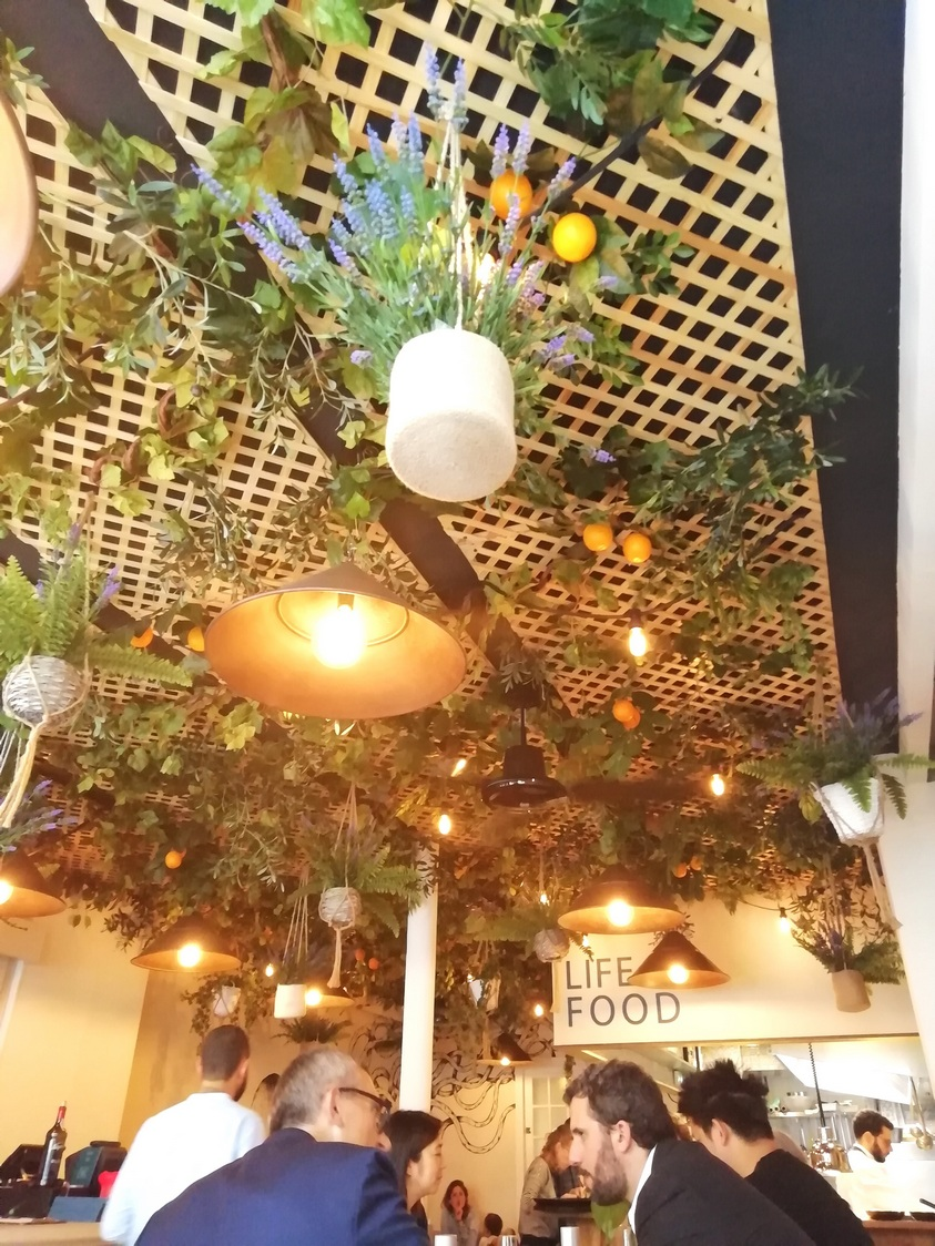 Plafond de salle © Gourmets&co