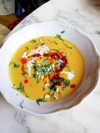 Soupe de maïs, harissa © Gourmets&co
