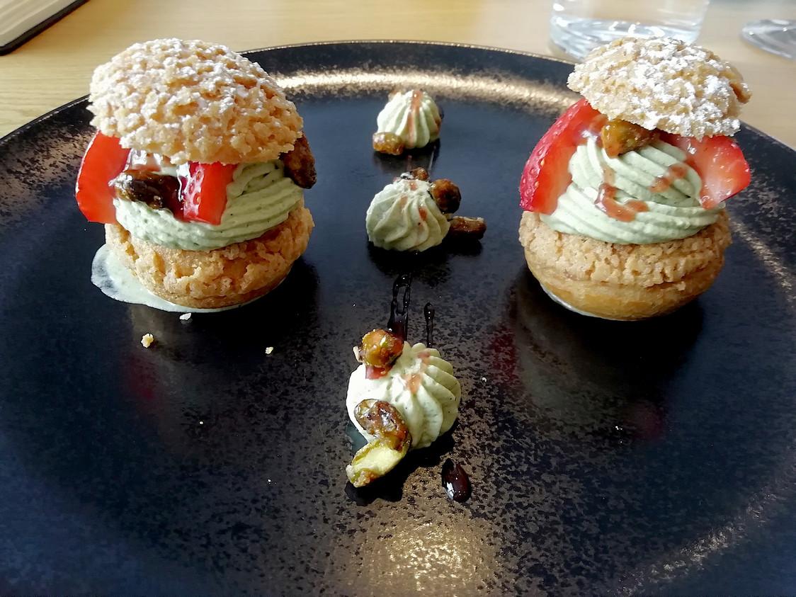 Petits choux à la pistache © Gourmets&co