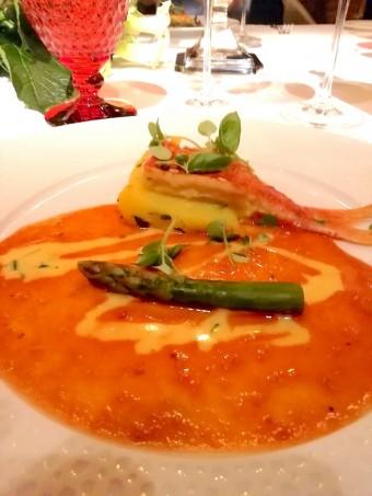 Rougets, pommes de terre, sauce bouillabaisse © Gourmets&co .