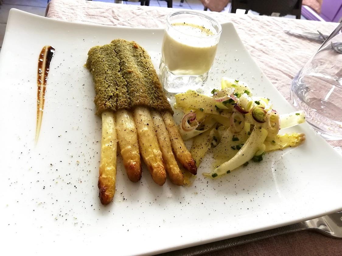 Asperges gratinées au beurre d'escargots © Gourmets&co
