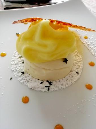 Citron, mousse, tuile © Gourmets&co