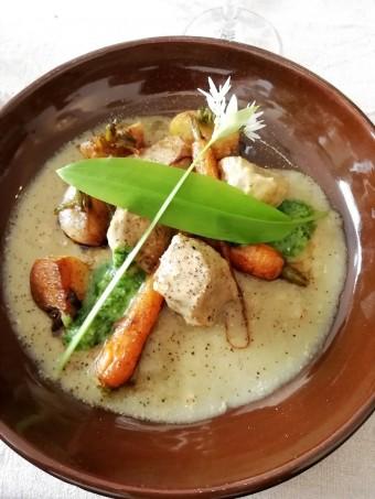 Veau, légumes primeurs, ail des ours © Gourmets&co
