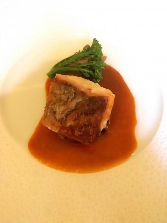 Filet de maigre, jus crustacés © Gourmets&co