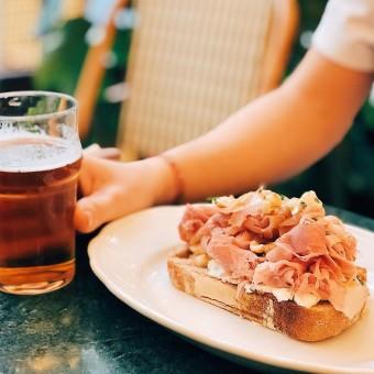 Sandwich Rosie