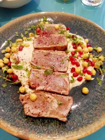 Tataki de thon, hoummous © Gourmets&co