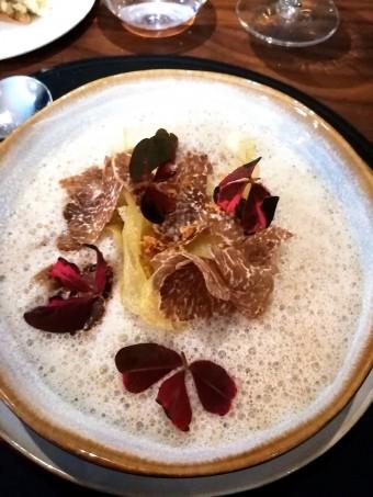 Velouté de champignons de Paris, truffes __blanchetto__ © Gourmets&co