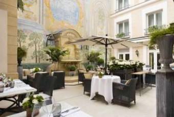 starhotels-collezione-castille-paris-patio-nuovo.91cb4ce7902a91d34882d892f1400c85